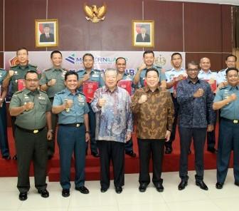 Modernland Realty Serahkan Bantuan CSR 10 Unit Ambulance kepada TNI