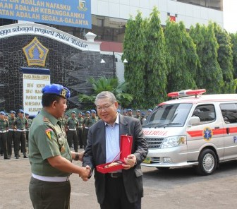 Bantuan Ambulans untuk Mendukung TNI